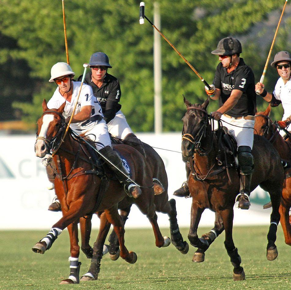 João Novaes (de preto, número 3) em ação pela rodada inaugural do Campeonato Handicap de Chile (crédito Pablo Salast - Polo Por Chile)